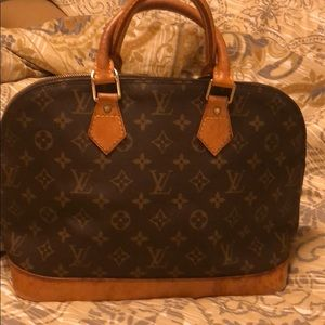 Louviton hand bags 100% Authentic